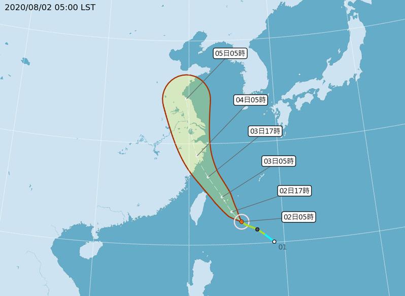 中央氣象局颱風路徑潛勢預測圖顯示,哈格比颱風今天通過台灣東部海面,明天掠過東北部海面。圖/取自氣象局網站
