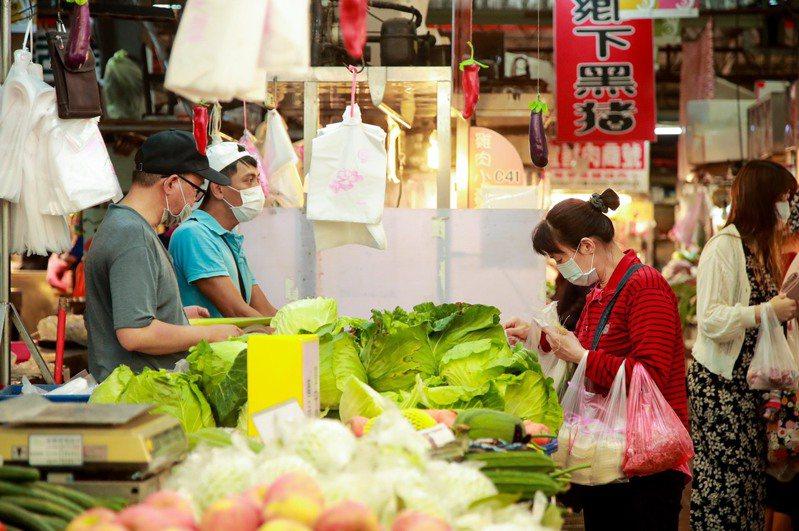 中市經發局指出,台中購物節提升消費搶搶滾,5項經濟指標搶六都第一。圖/台中市經發局提供