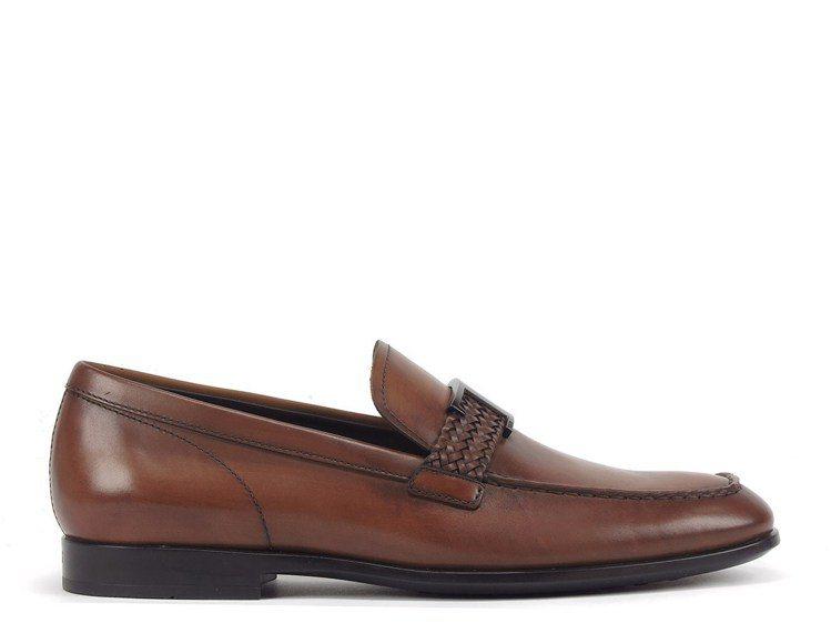 TOD'S Timeless駝色經典仿古牛皮紳士鞋,26,500元。圖/迪生提供