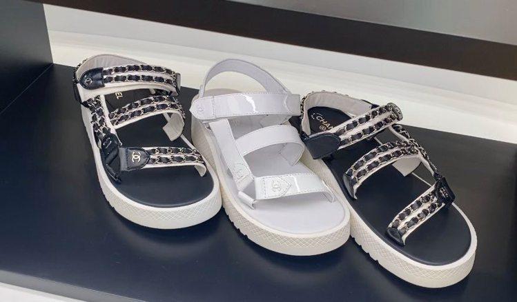 具備增高、修飾效果的厚底涼鞋也是很值得入手的單品。記者吳曉涵/攝影