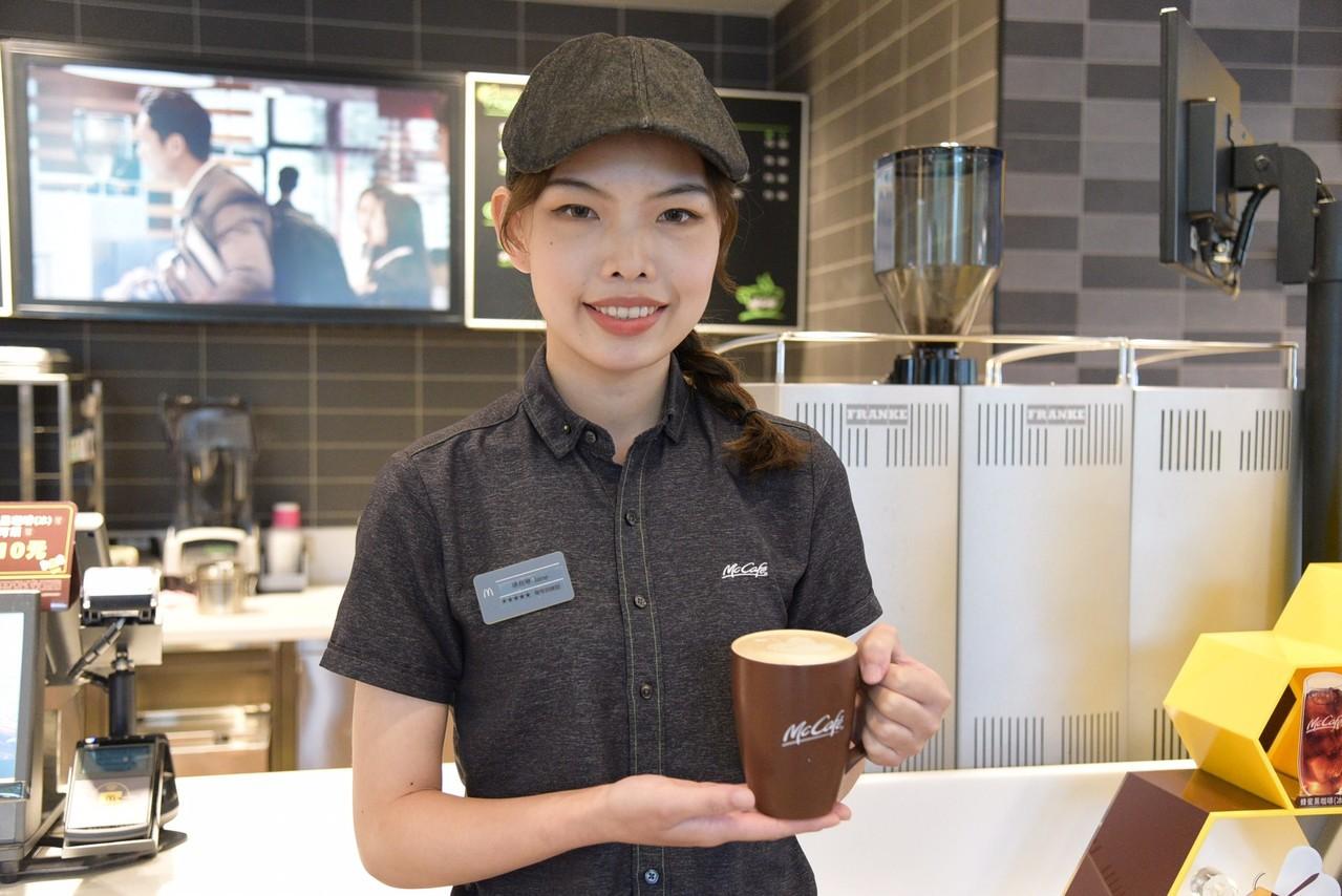勞動部雙軌訓練 誕生五星咖啡師