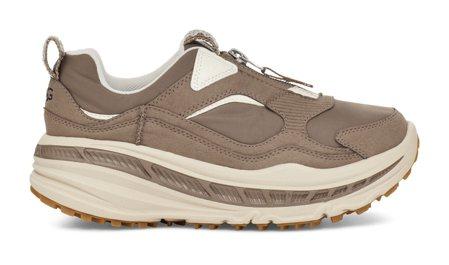 女款CA805拉鍊運動鞋(卡其),4,800元。圖/UGG提供