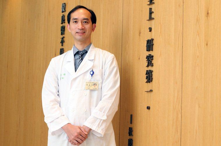 台大醫院胸腔外科主治醫師林孟暐指出,癌症的變化是一個進程,從癌前變化到零期、再到...