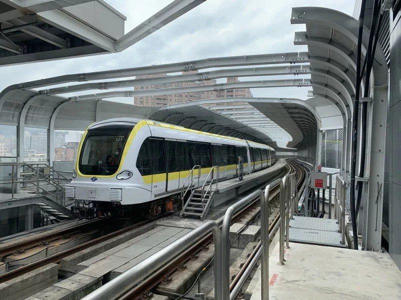 捷運環狀線今年初通車,根據新北市地政局公布的新北市住宅價格指數,環狀線通車後帶動...