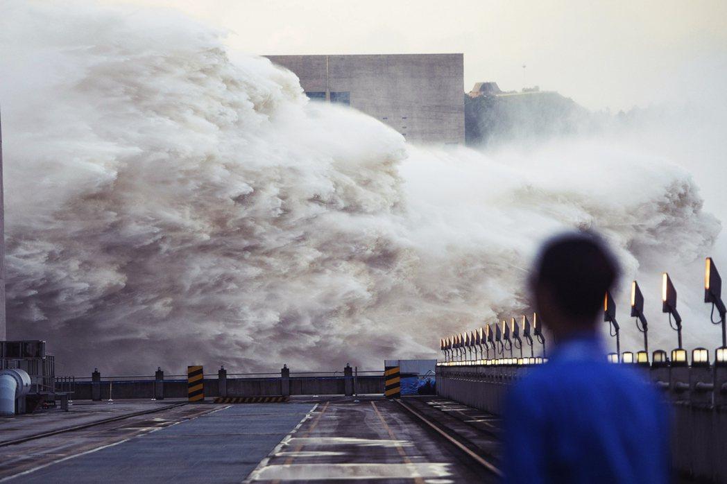 為什麼長江的洪水,會影響到南韓的濟州島?主因即是「長江沖淡水」,從長江口與錢瑭江...