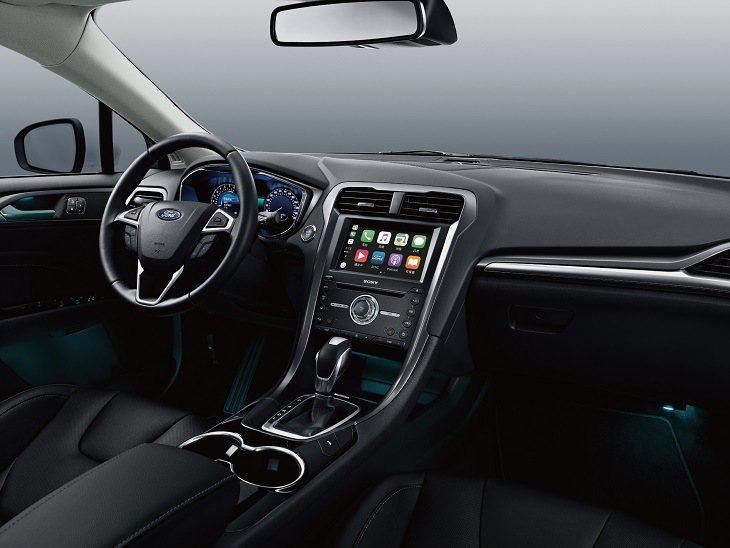 New Ford Mondeo珍藏型搭載SYNC3娛樂通訊整合系統的8吋LCD彩...