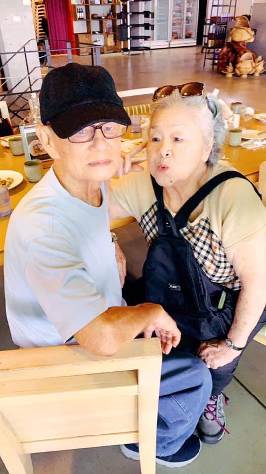素珠阿姨與阿娜答放閃。圖/擷自臉書