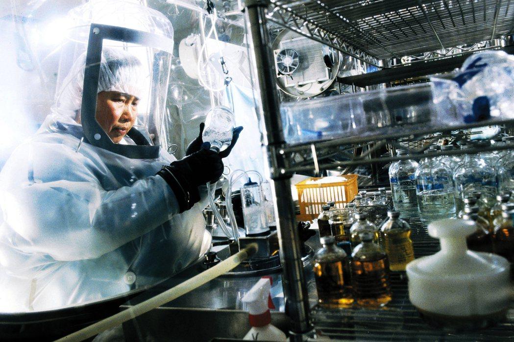 傳統藥品開發耗時費力,也無法保障明星級產品如期上市,在節省成本考量下,就可能裁退...