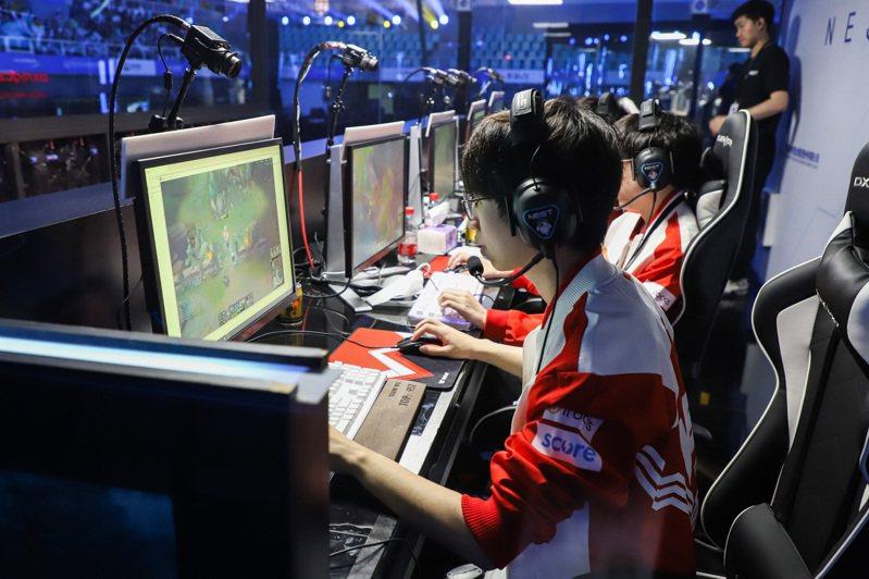 近年來,一種人稱「祖安文化」的亞文化在很多遊戲社區、社交媒體、視頻剪輯網站走紅。 中國新聞社