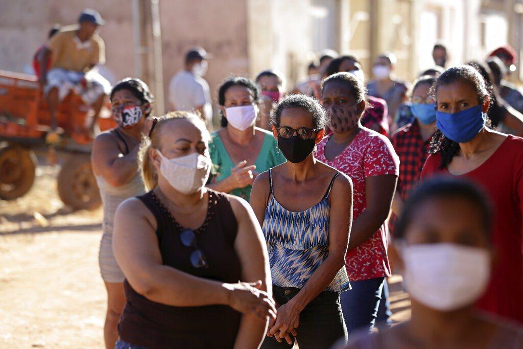 巴西總統波索納洛的幕僚長奈托2019冠狀病毒疾病採檢呈陽性,是巴西第7位染疫的首...