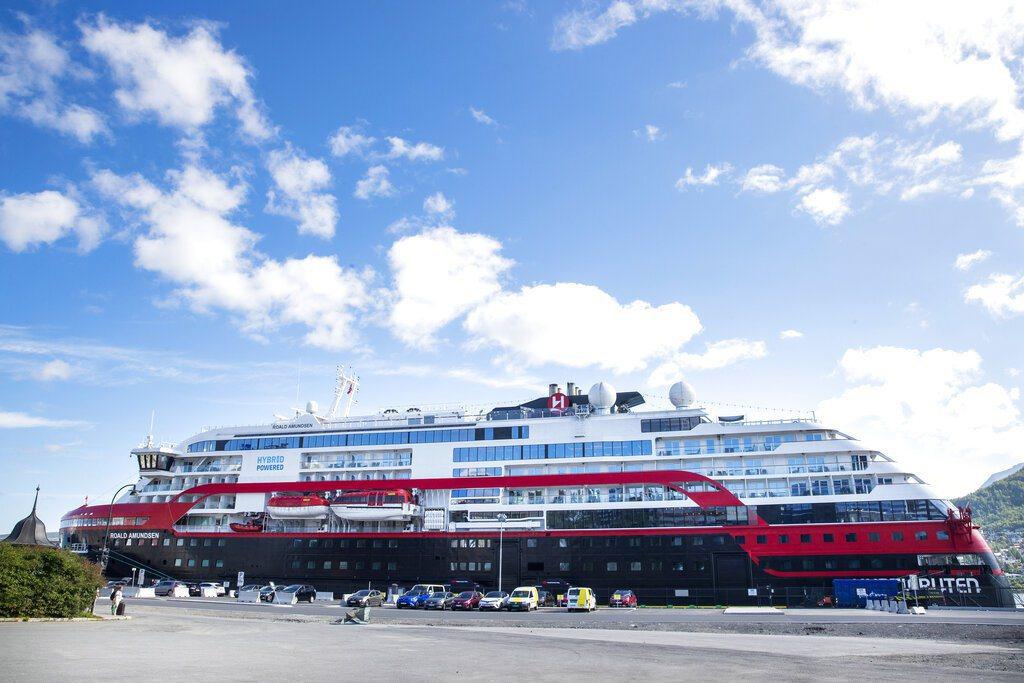 豪華郵輪「阿蒙森號」上至少有40名乘客及船組員感染新冠肺炎。 美聯社