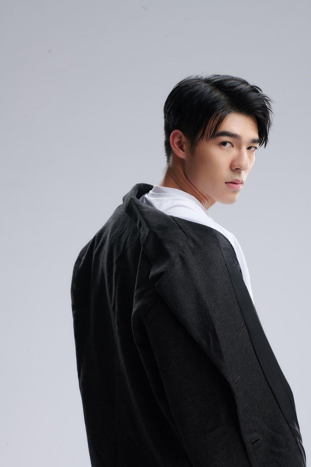 陳昊森曾被封為「小金城武」。圖/華研音樂提供
