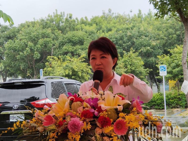 台中市長盧秀燕宣布將啟動專案加強防疫措施。記者黃寅/攝影