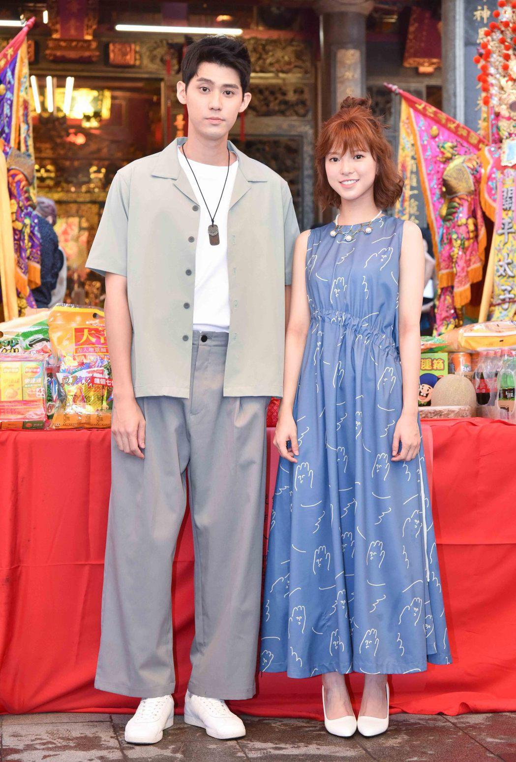 李玉璽(左)、項婕如出席「神之鄉」開鏡。圖/東森提供