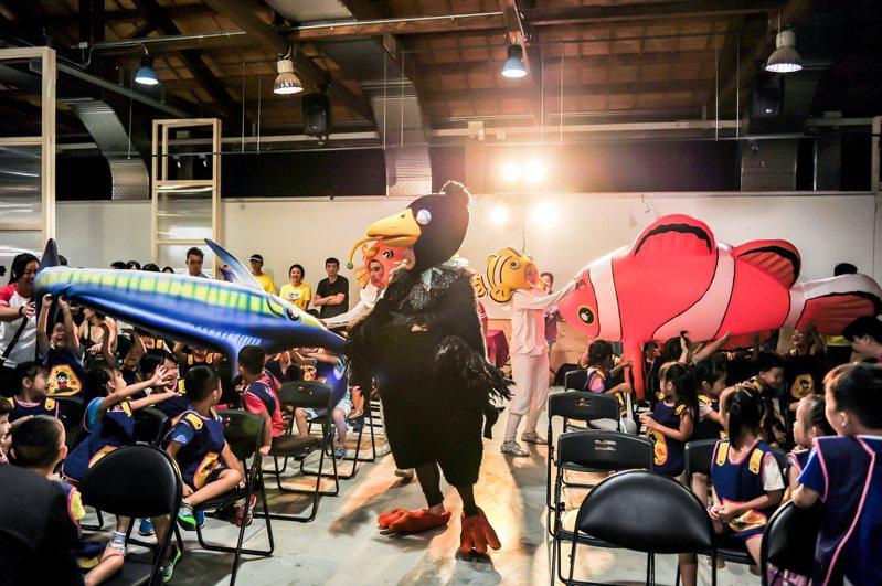 紙風車劇團浴火重生後回歸舞台,在宜蘭縣政府力邀下,劇團將在中興文創園區演出,這也是紙風車連續第三年在同一個場地表演。圖/文化局提供
