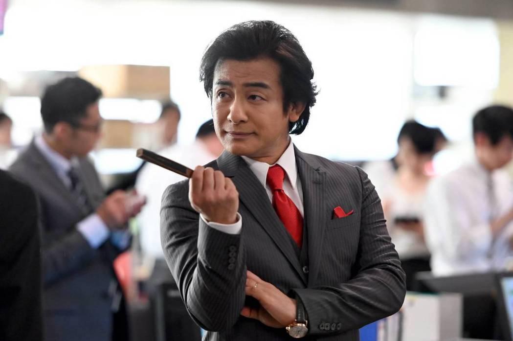 片岡愛之助飾演的黑崎重出江湖。圖/摘自TBS