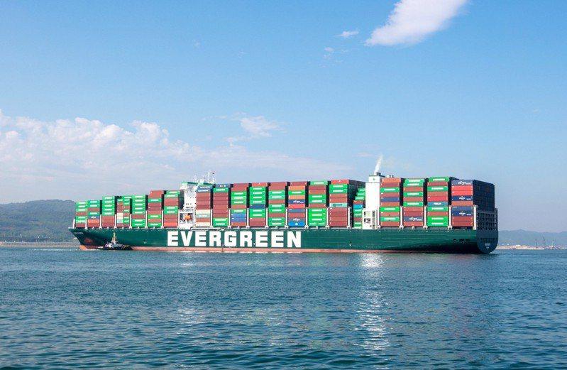 長榮海運今年3月開始投入營運的1.2萬 TEU級F型船已超前許多地區的環保法規要求。業者提供