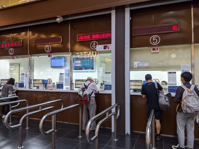台鐵5日零時起,從提前14天改為提早28天前就開放預售車票。 圖/楊德宜 攝影