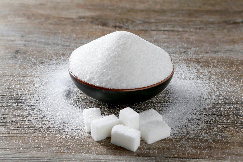 糖之所以會呈現出不同顏色、型態,是因為「精製」的程度不同,精製的程度越高,顏色越白。 圖/路透社