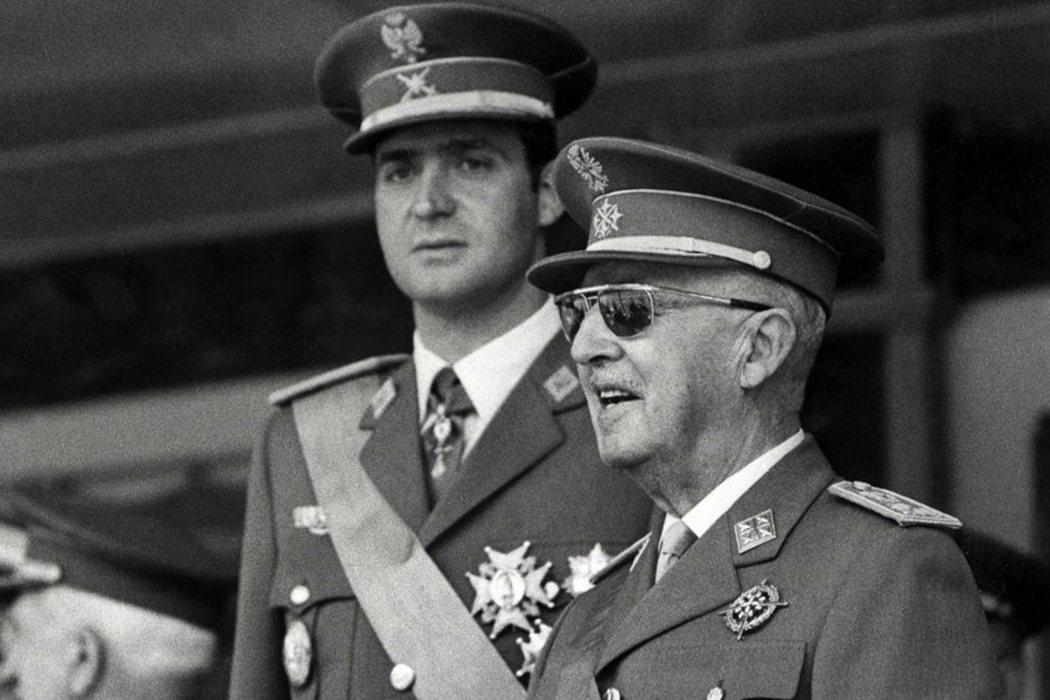 看似由獨裁者培植欽定的胡安卡洛斯,在1975年佛朗哥逝世之後,正式登基成為國王。...