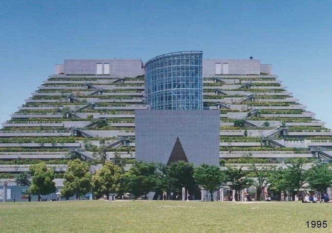 1995年的アクロス福岡。 圖/取自Jタウンネット