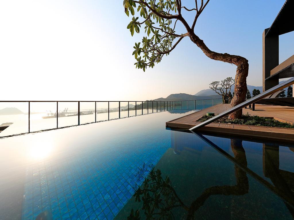 煙波大飯店蘇澳四季雙泉館附設無邊際泳池,獨享一個人的晨曦。 Agoda /提供