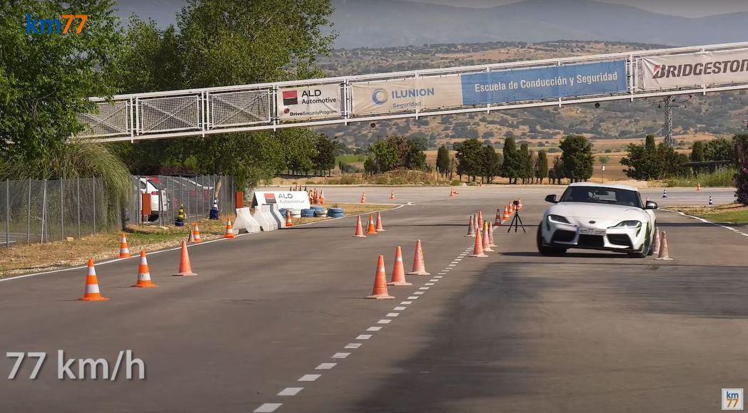 Toyota Supra最終僅能以77km/h的速度通過麋鹿測試。 摘自km77...