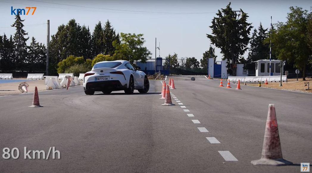 車速提升至80km/h時車尾明顯外拋。 摘自km77.com