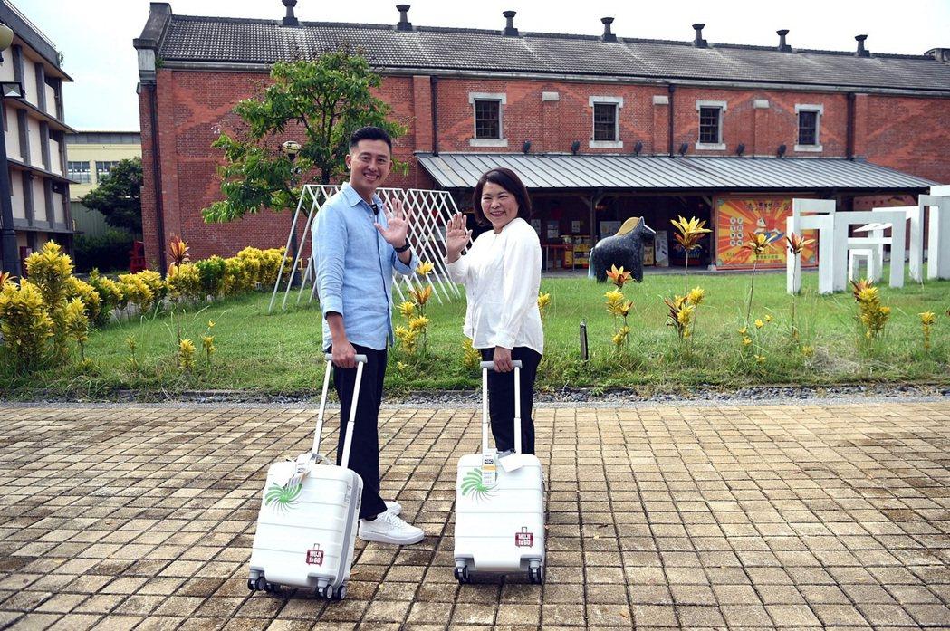 嘉義市長黃敏惠(右),今年在新竹市登場的台灣設計展,嘉義市府團隊絕不缺席。 嘉義...