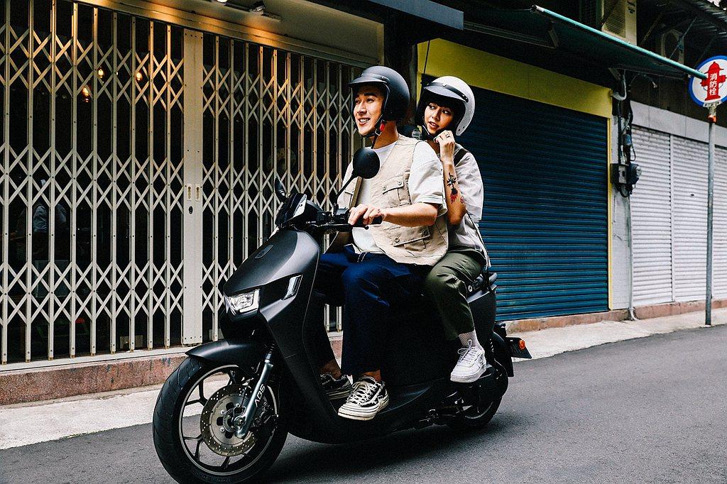 潮流時尚的宏佳騰Ai-1車款自推出以來,即以搭載CROXERA智慧儀表、提供導航...