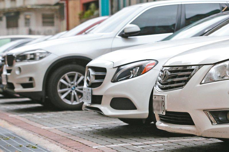 國內車市買氣回溫,7月新車銷售創今年新高,汽車股今日早盤強勢,類股指數漲幅1.6%。 圖/聯合報系資料照片