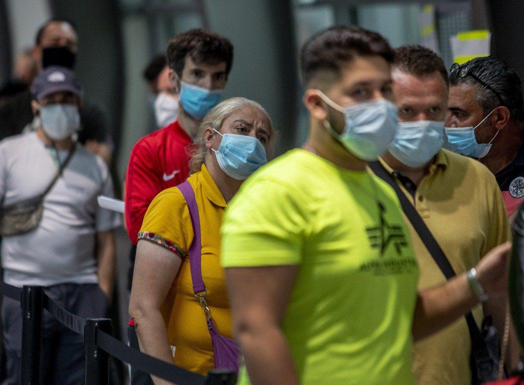 德國醫生工會主席在今天刊出的報紙專訪中表示,境內已面臨第二波2019冠狀病毒疾病...