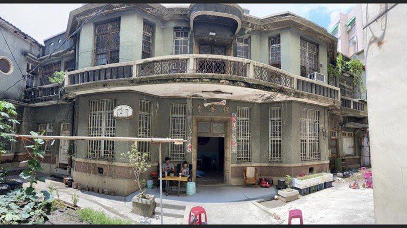 擁有84年歷史的彰化縣員林市保安堂傳求售,彰化縣文化局指出,希望屋主或買家能將這棟建築物保留下來。圖/民眾提供