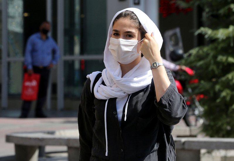 伊朗通報新增逾2700人染疫,也創下該國1個多月來的單日最高紀錄。 歐新社