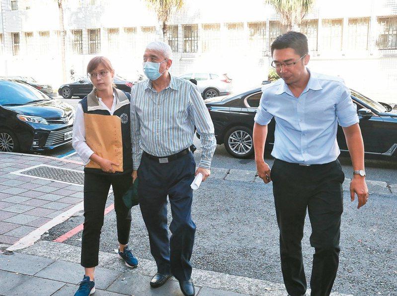 太流公司前董事長李恆隆(中)被控賄賂多名立委,連二天在聲押庭接受訊問。圖/聯合報系資料照片