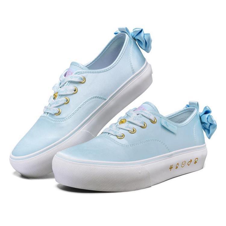 SKECHERS美少女戰士聯名款帆布鞋2,490元。圖/SKECHERS提供