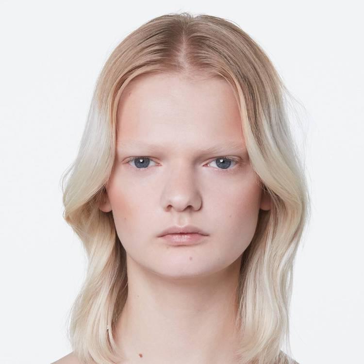 GUCCI近日又推出了嶄新的臉部專用新品—Poudre De Beauté Éc...