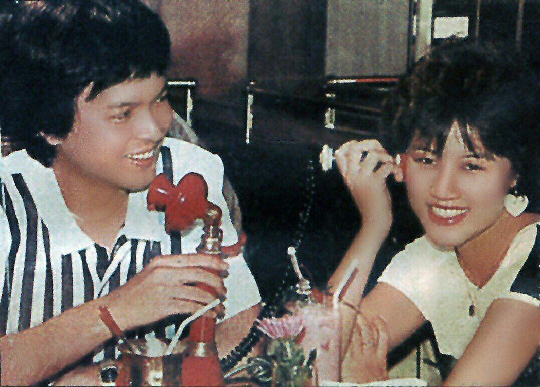 當時仍叫羅璧玲(右)的第一部電視作品「再愛我一次」和當紅男星秦風搭戲,因此一炮而...