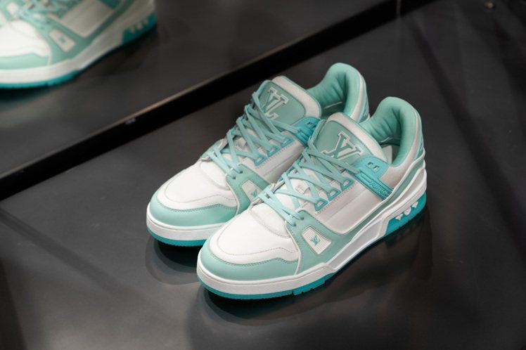 2021早春有許多色彩別緻的運動鞋。圖/LV提供
