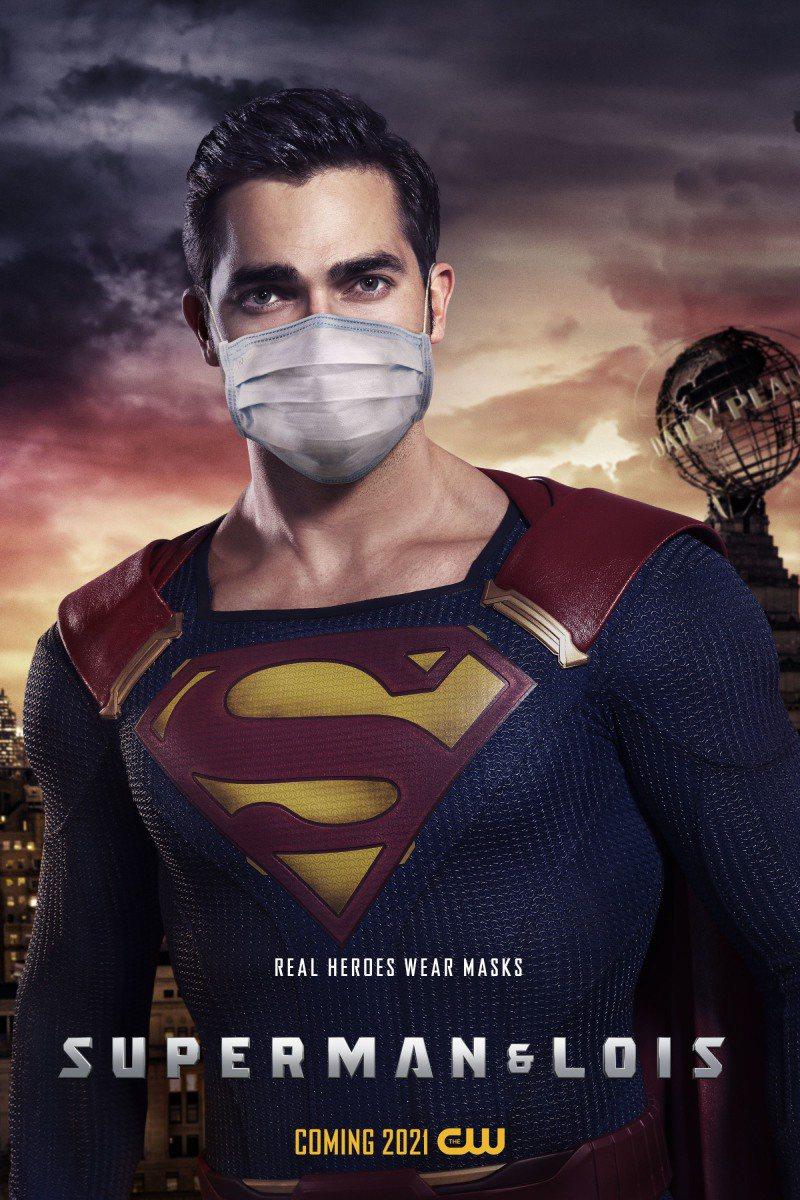 明年要回歸小螢幕的新「超人」,也戴上了口罩。圖/摘自CW