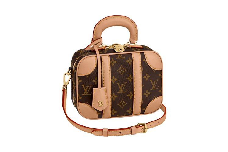 許路兒搭配的路易威登Mini Luggage側背包。圖/LV提供