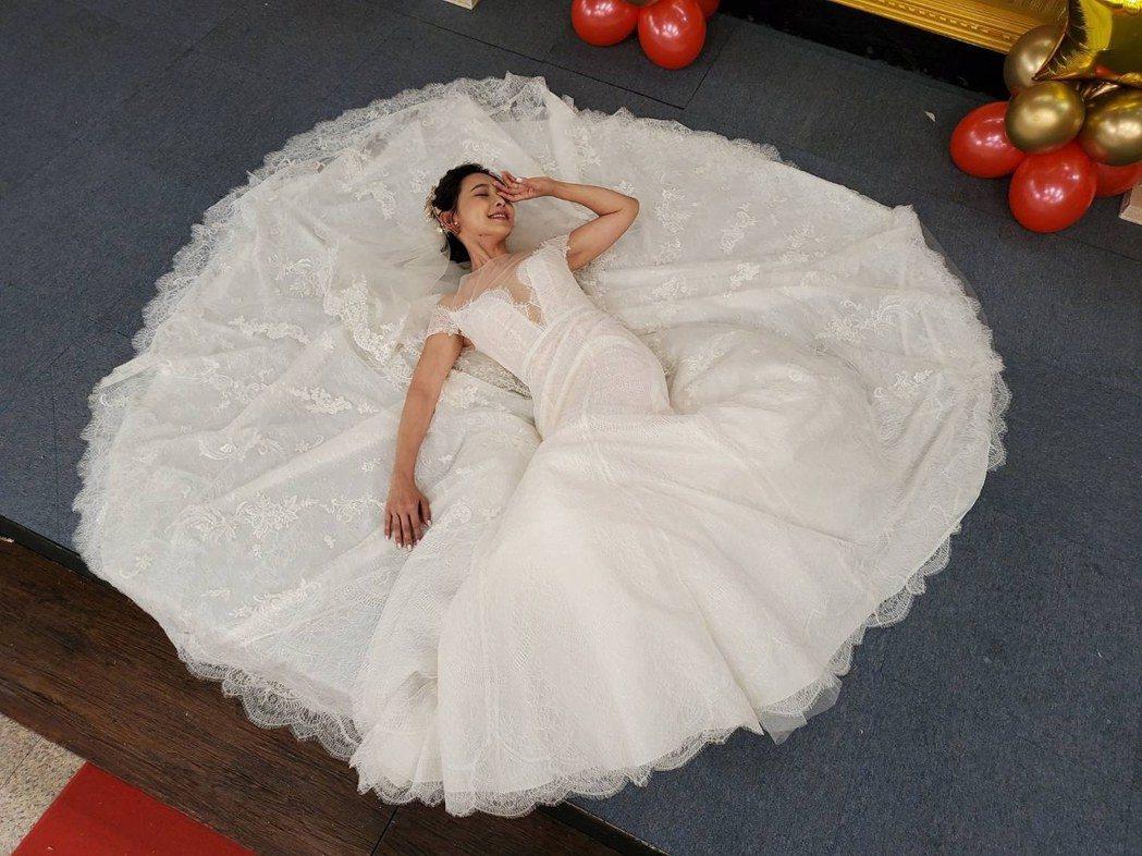 吳婉君拍完結婚戲正式殺青。圖/凱瑟琳婚紗提供