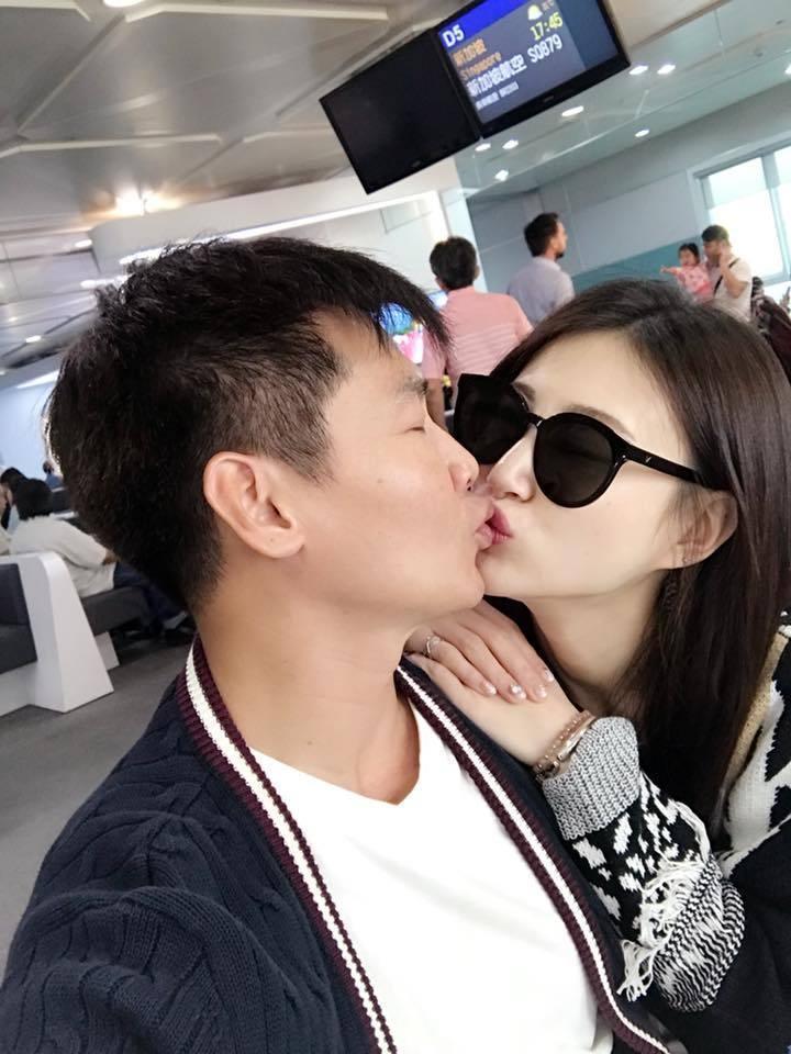 李新(右)和沈世朋原本就是夫妻。圖/摘自臉書