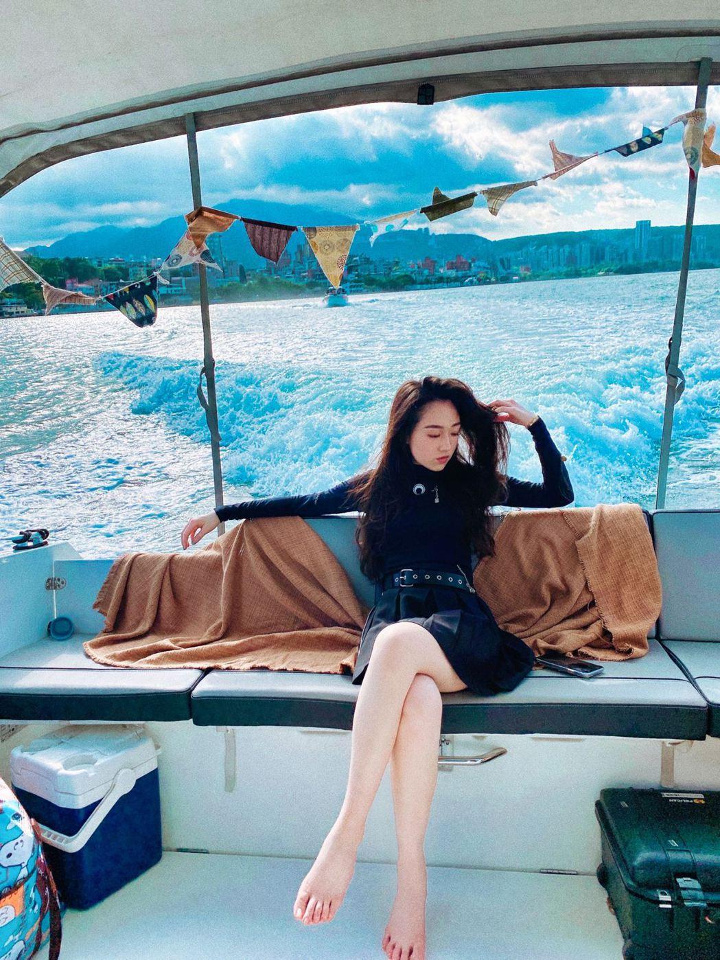 王敏淳不甩家中禁令,上船拍攝新歌MV。圖/鮪魚肚影音提供
