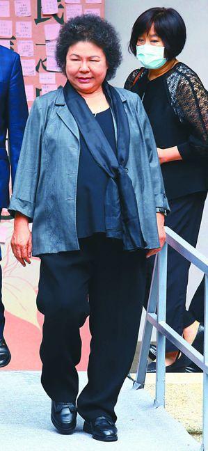 監察院長陳菊提醒監委,查案要「不分藍綠、不分黨派、只問事實」。圖為陳菊昨天到台北...