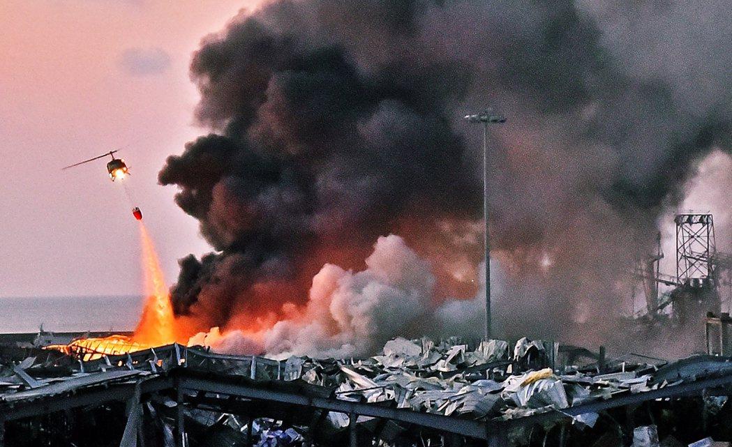 截至5日為止,已知至少有100人死亡、超過4,000人受傷,但因為爆炸毀壞周邊建...
