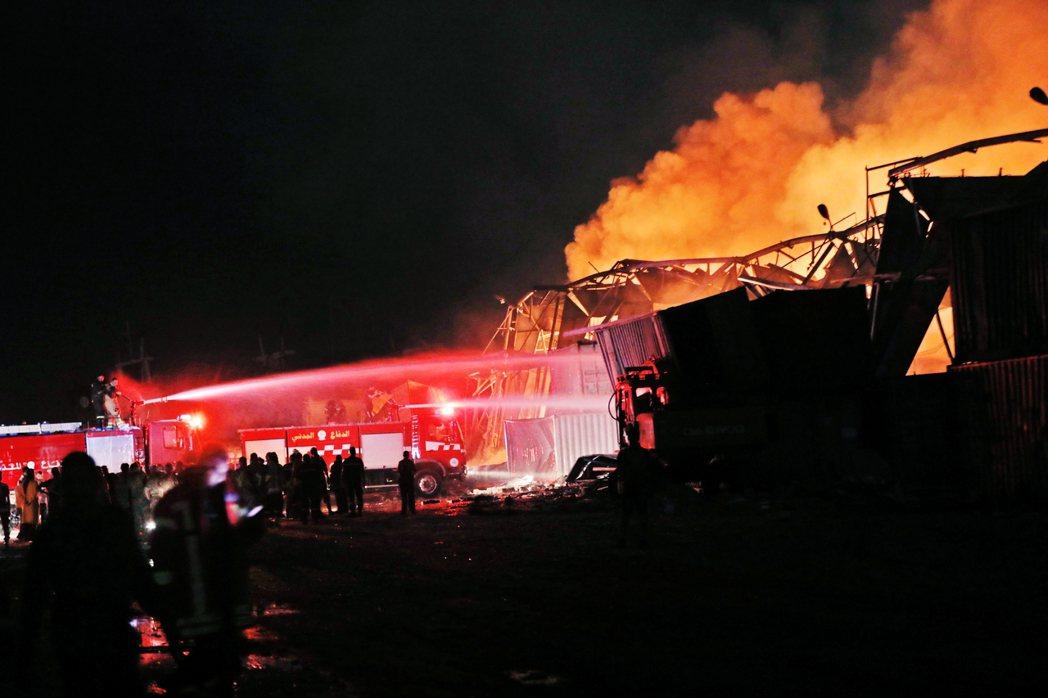 根據官方的初步研判,貝魯特大爆炸的事發點,是港口工業區一處存有2,750公噸硝酸...