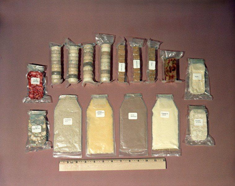 1962年的太空食品與現在的太空食品差距相當大,目前的太空食品已相當注重美味程度...