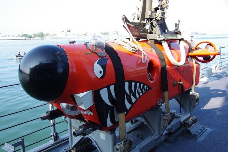 永靖級艦上的水下掃雷載具。 圖/聯合報系資料照