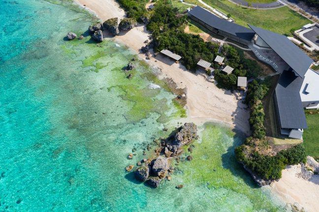 「虹夕諾雅 沖繩」也是品牌中最靠近海邊的度假村。 圖/星野集團提供